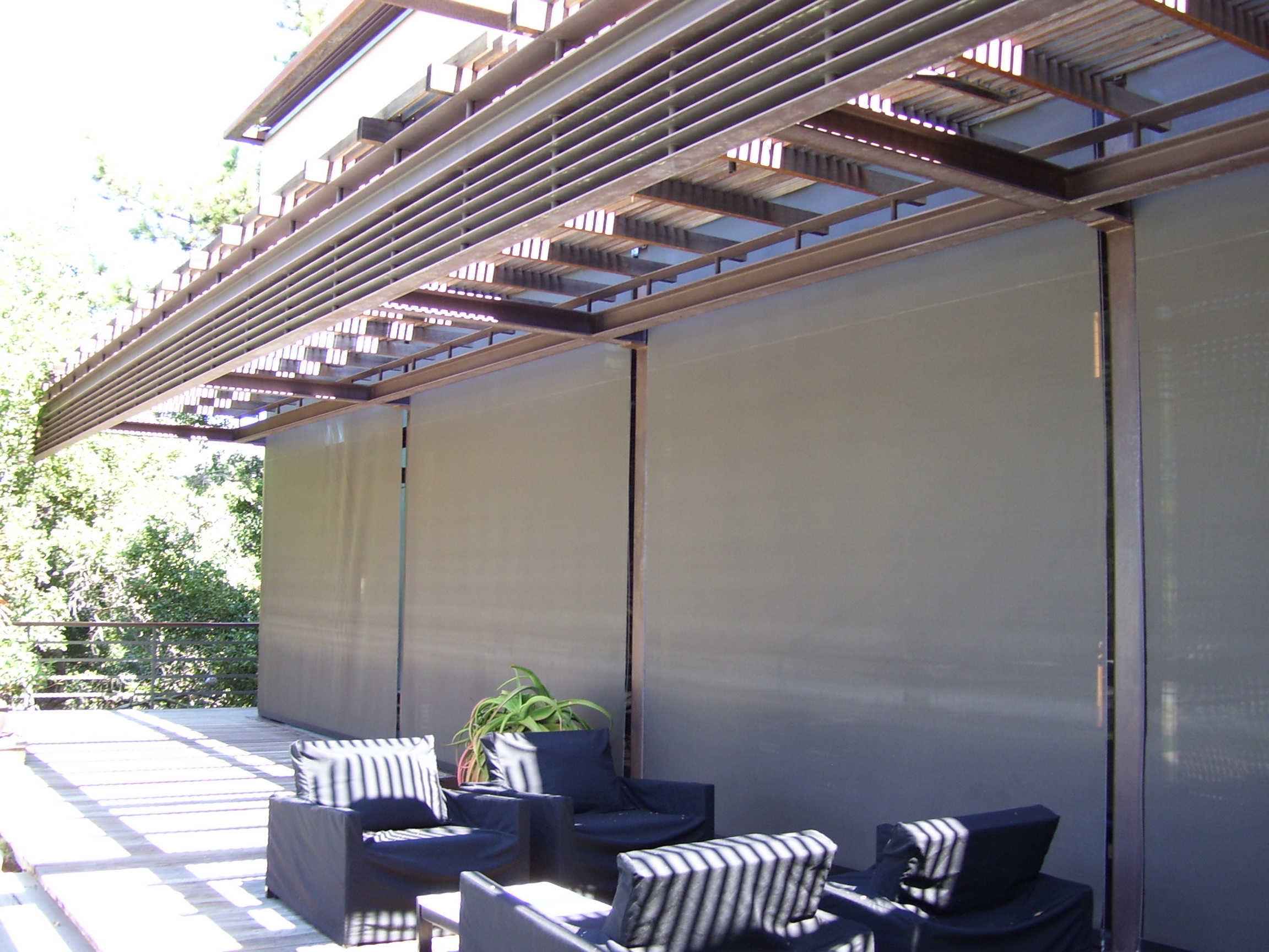 Motorized Exterior Roller Shades Protection While